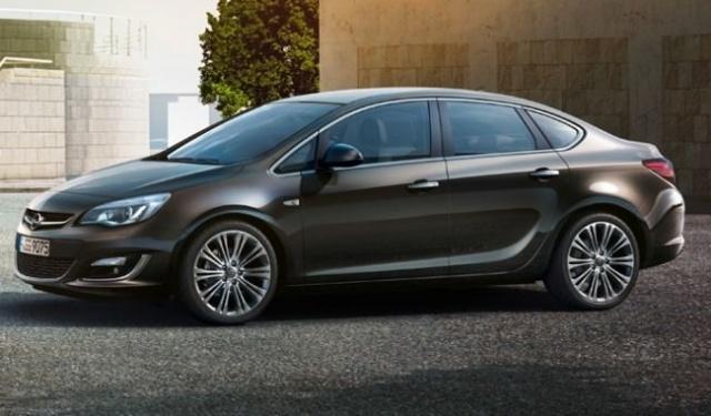 Opel Astra 1.6 vs 1.4